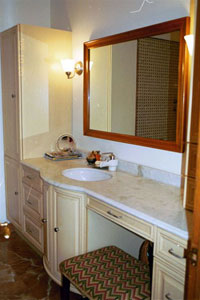 House � main floor bath - Click to Enlarge, close window when done