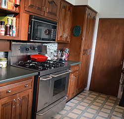 Upstairs Kitchen - Click to Enlarge, close window when done