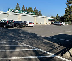 Front Bldg. & parking lot   - Click to Enlarge, close window when done